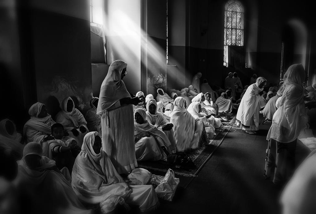 Orando en Lalibela