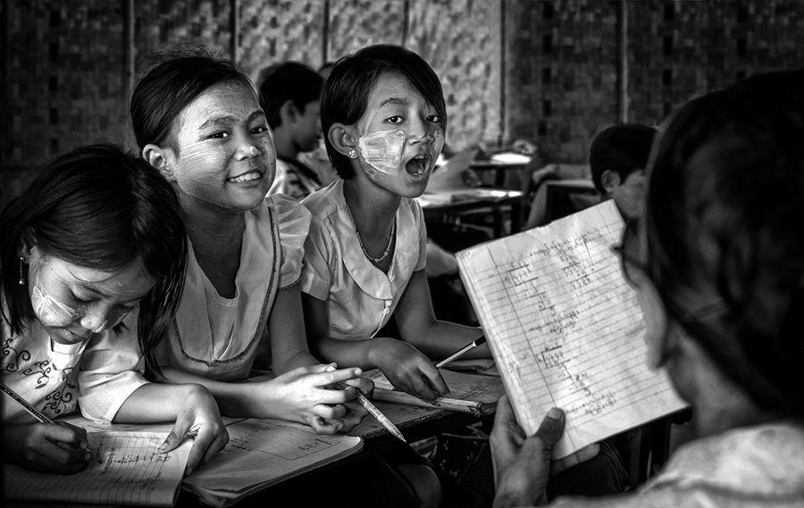 Escola de Birmania