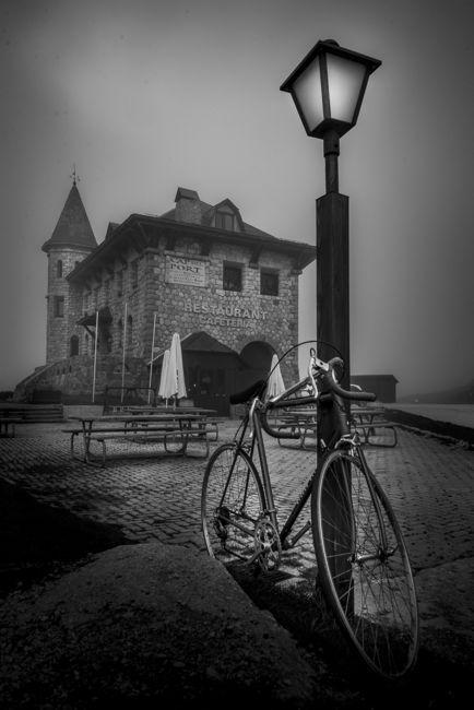Bicicleta en la niebla