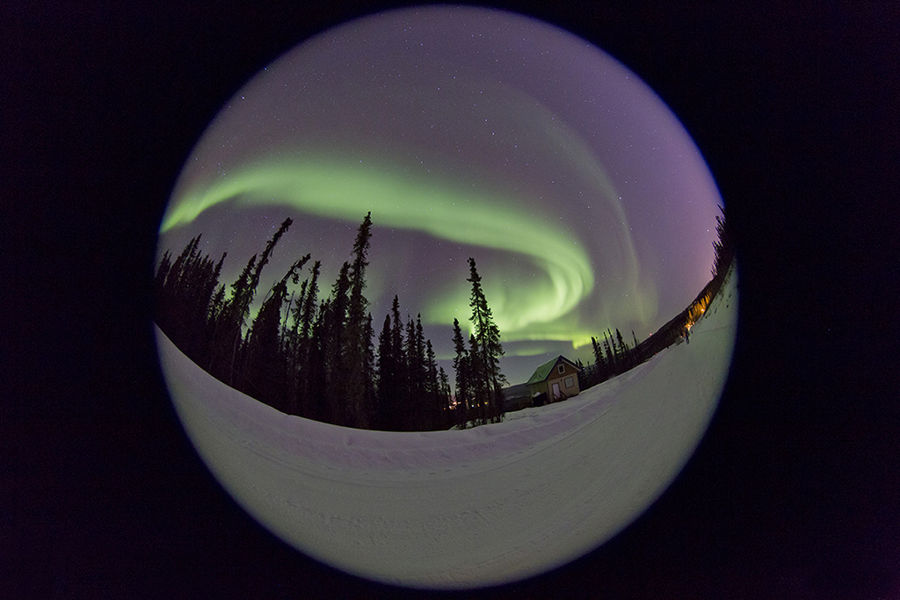 Aurora boreal en una bola de vidre