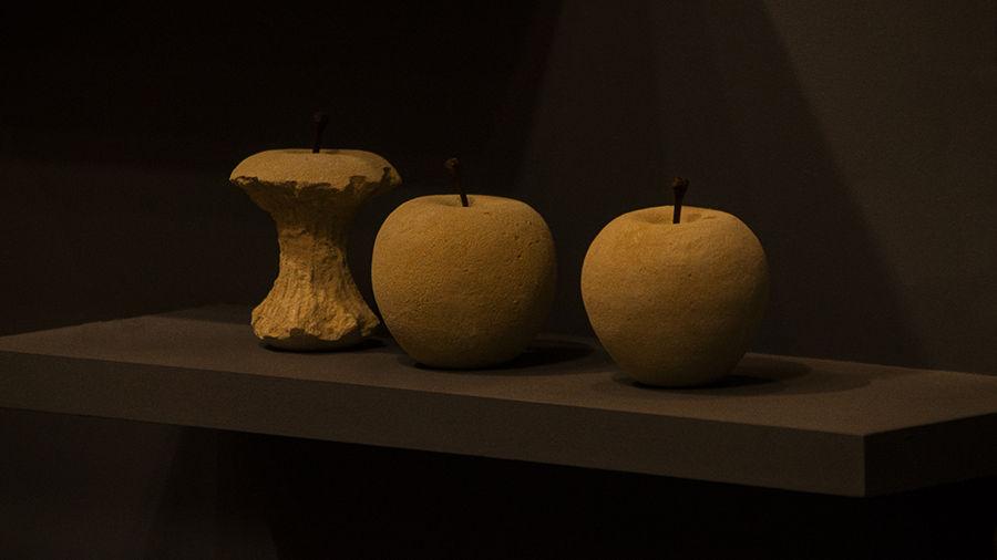 Tres Pomes de Fusta