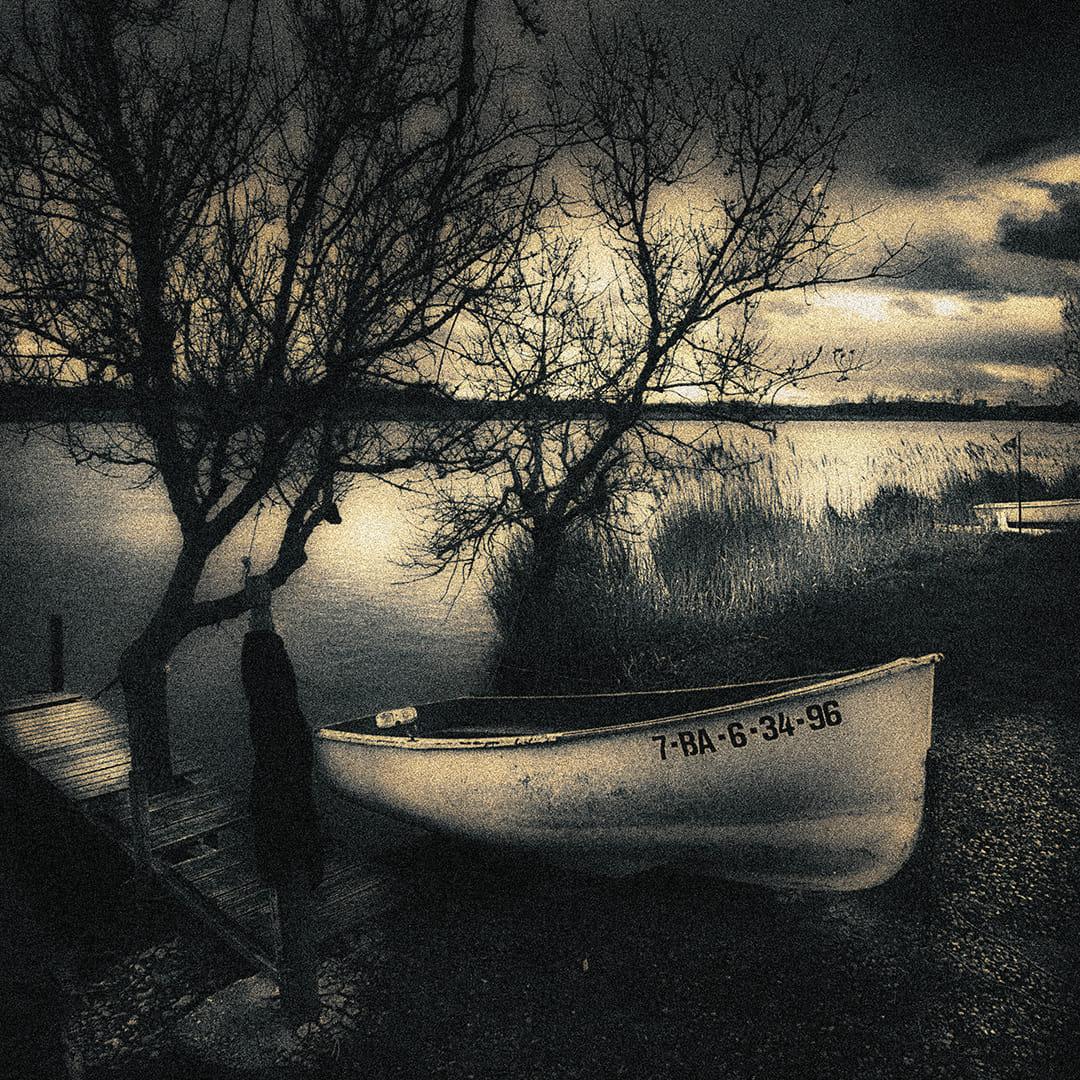 Barca i riu
