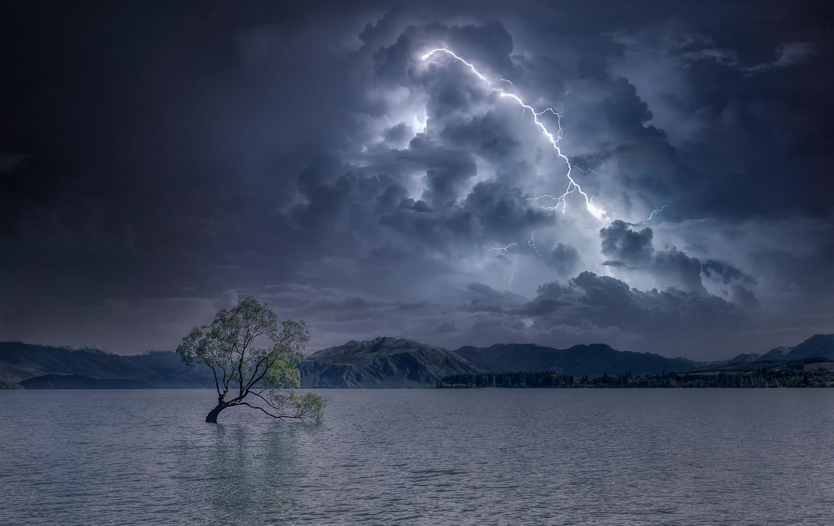 Storm at Wanaka Lake