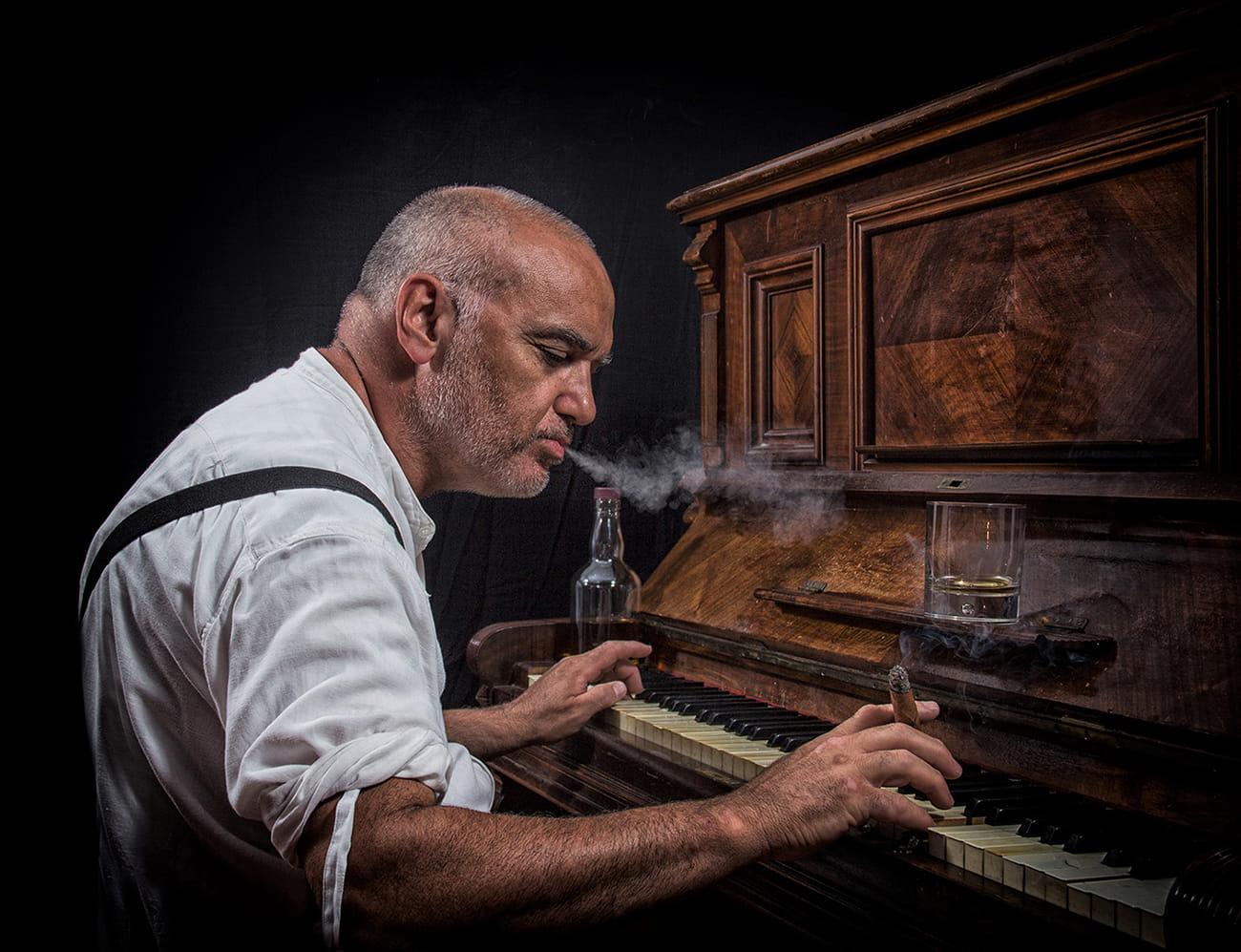 Todo se olvida , menos la música del viejo piano