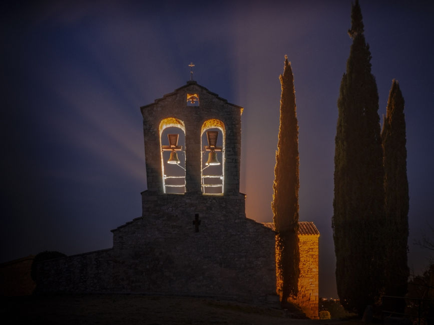 La Iglesia iluminada