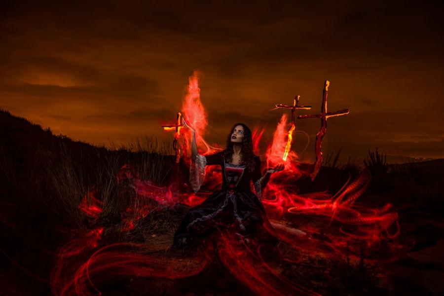Rodeada por el fuego