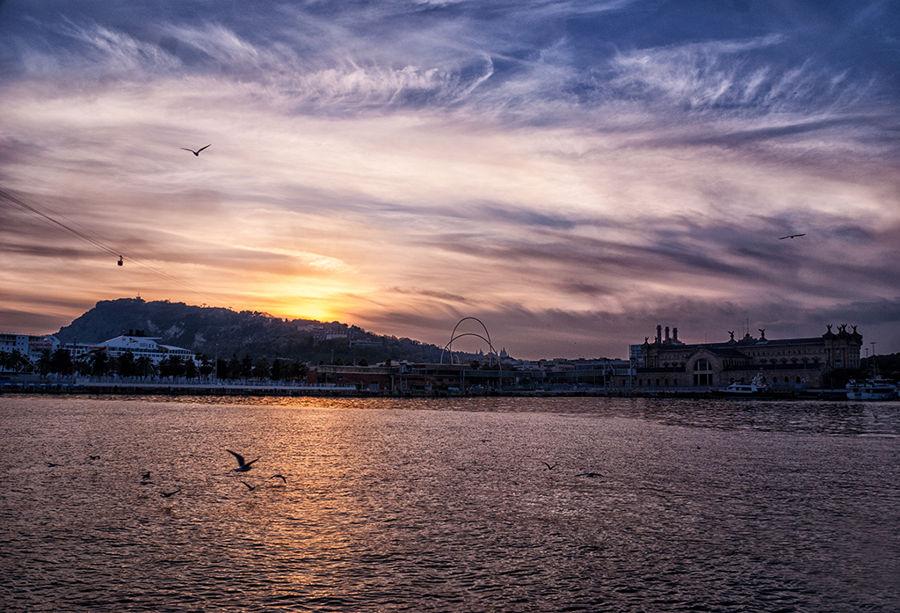Posta de sol al Port de Barcelona
