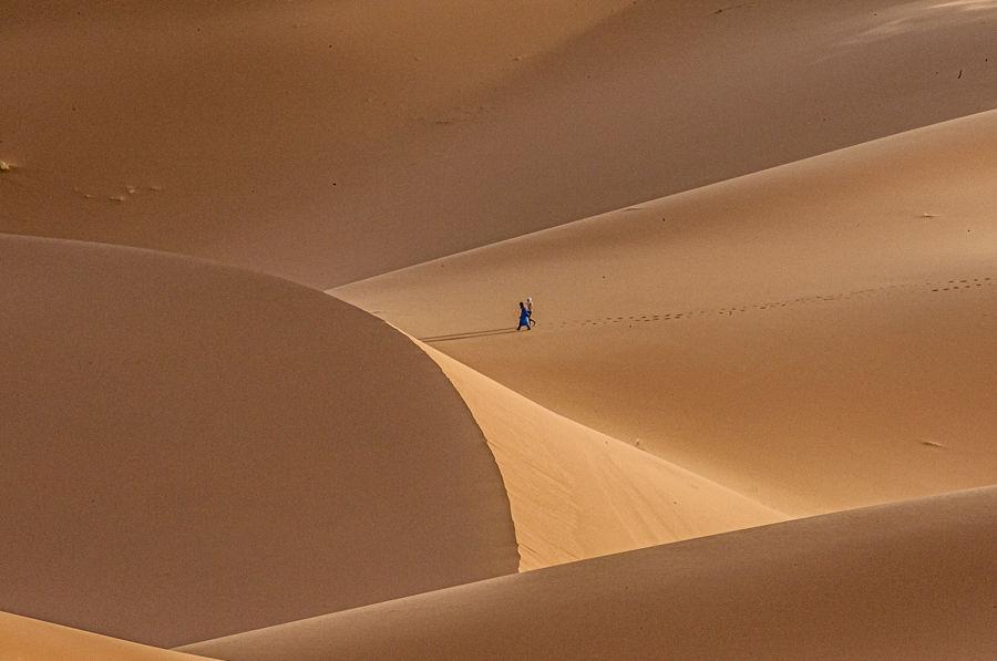 Caminando entre las dunas