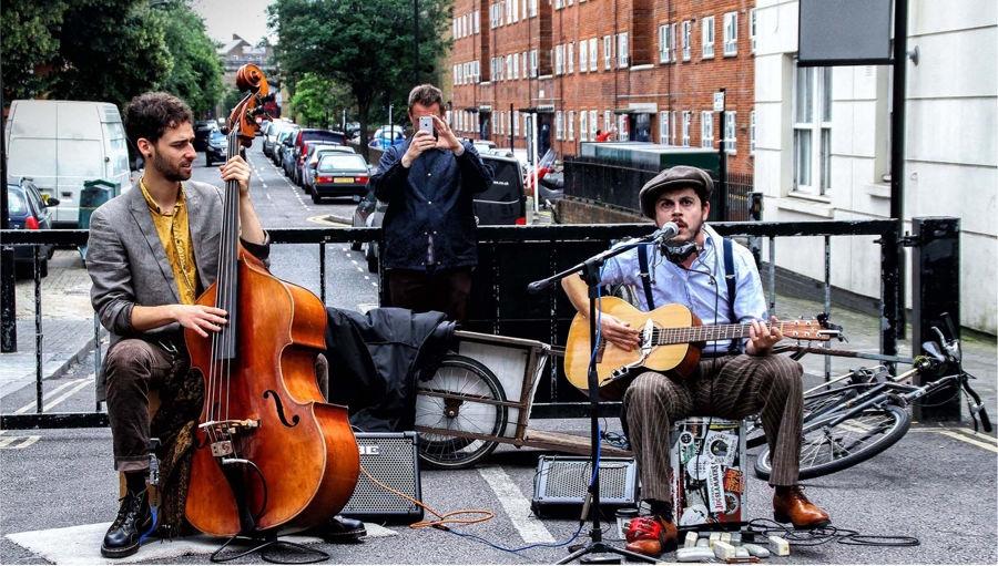 Cantant al carrer
