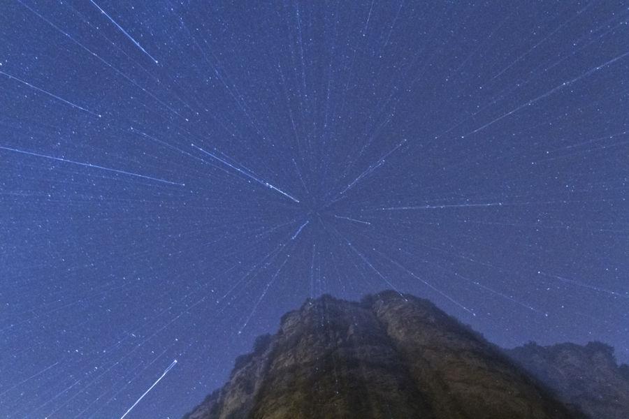 una nit estrellada a la muntanya i buscant diferents estrelles o constel·lacions em vaig perdre en la seva immensitat