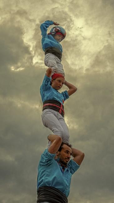 Castellers de Terrassa entre els núvols