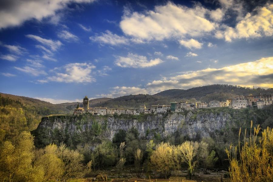 Capvespre a Castellfullit de la Roca