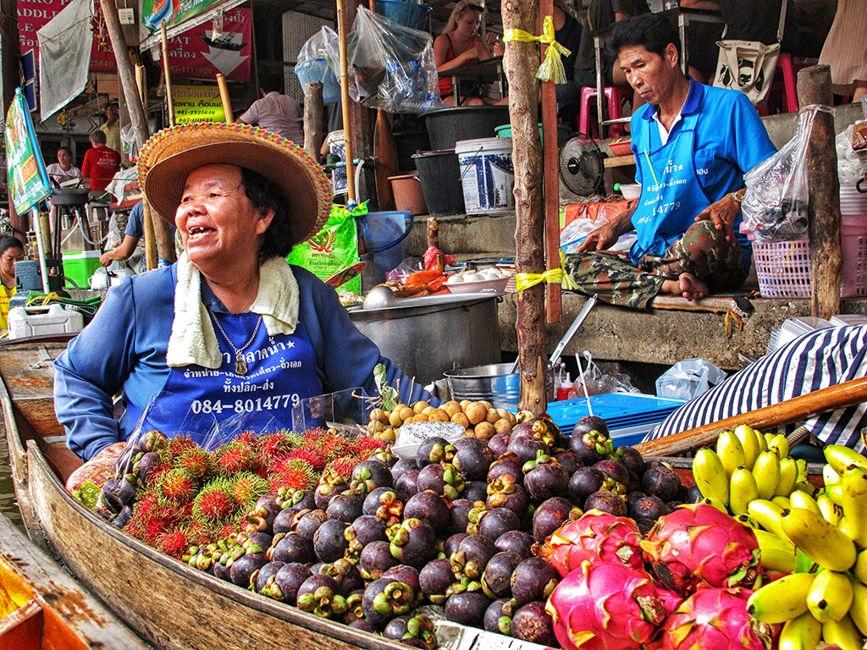 Venedora al mercat flotant 1