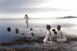 trois femmes en eau calme