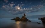 A la llum de la lluna